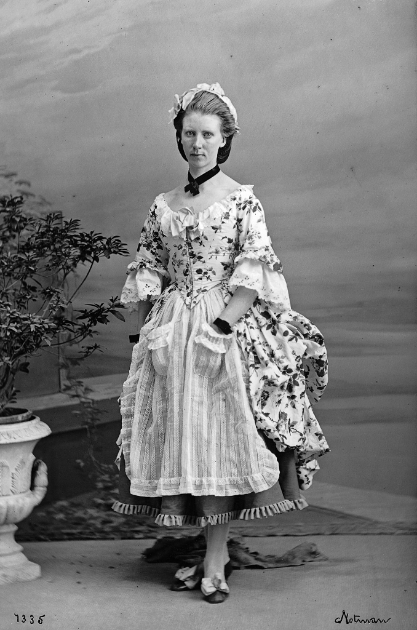 William Notman, Mrs. Edward (Frances Anne) Hopkins as a shepherdess, Montreal, 1863 © Musée McCord Museum